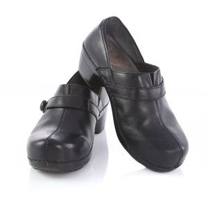 Dansko Black Leather Clogs Slip On Shoes